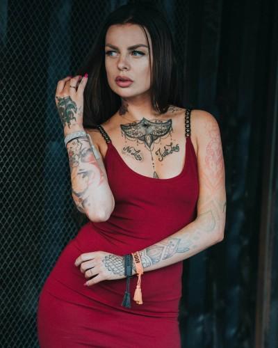 sukienka bordo z łańcuchami chain smoky wine military